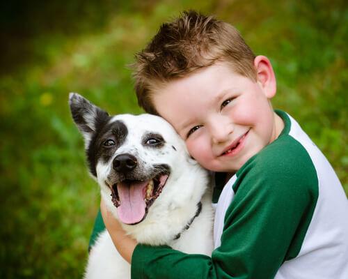 cane-con-bambino