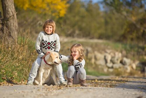 bambini-con-cani