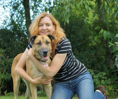 cane randagio argentino e hostess tedesca