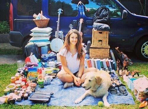 Ecco come Marina ha riorganizzato il suo furgone per viaggiare con il suo cane
