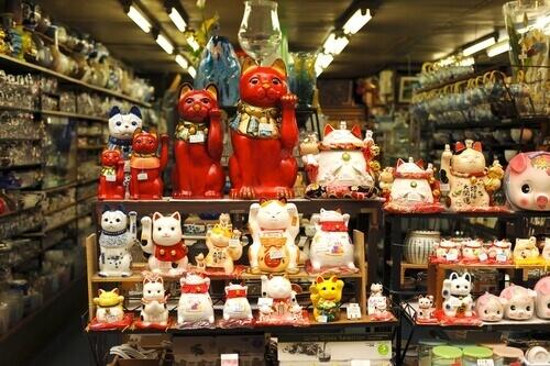Maneki-Neko in un negozio