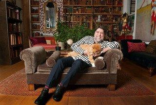 Joaquín Sabina e i suoi gatti: un amore vero