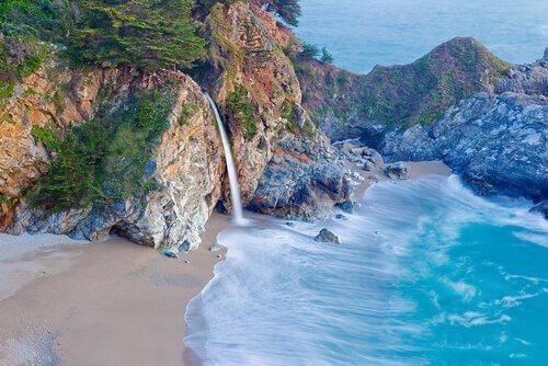 Spiaggia paradisiaca in California