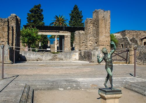 Statua di fauno a pompei