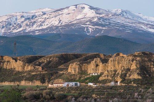 Neve sulle cime della Sierra Nevada