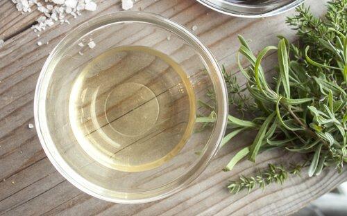 Come preparare repellenti per mosche fatti in casa