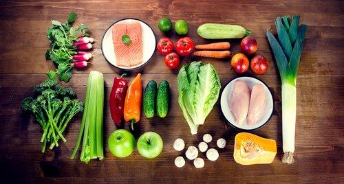 Alimenti per cani e verdure