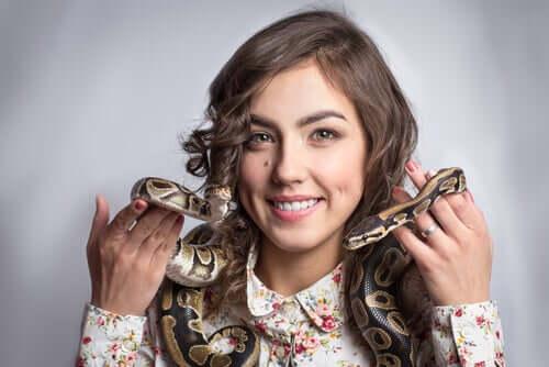 alcune specie di serpenti sono inoffensive, ma la maggior parte non sono adatte alla convivenza con l'uomo