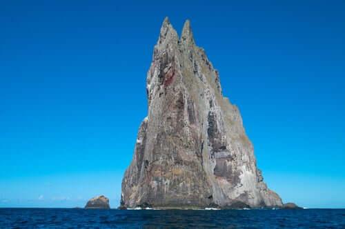 Isola Piramide di Ball