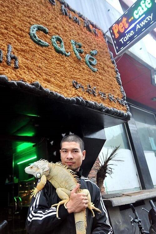 Prendere un caffè ad Hanoi in compagnia di animali esotici