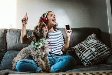 Radio accesa contro l'ansia da separazione: sì o no?