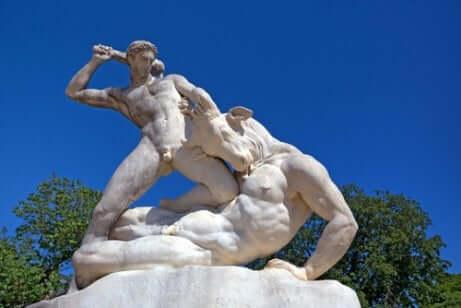 Statua di Teseo contro il Minotauro.
