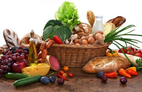 Nutrienti: cibi differenti.